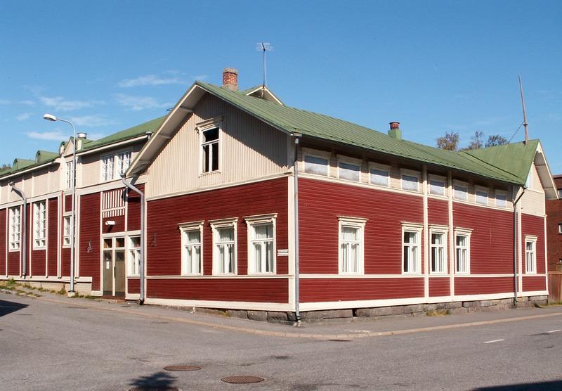 Kokkolan Työväentalo sijaitsee keskustan tuntumassa.