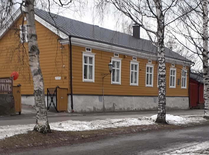Juhliin, seminaareihin ja kokouksiin sopiva perinteikäs rakennus keskeisellä paikalla.