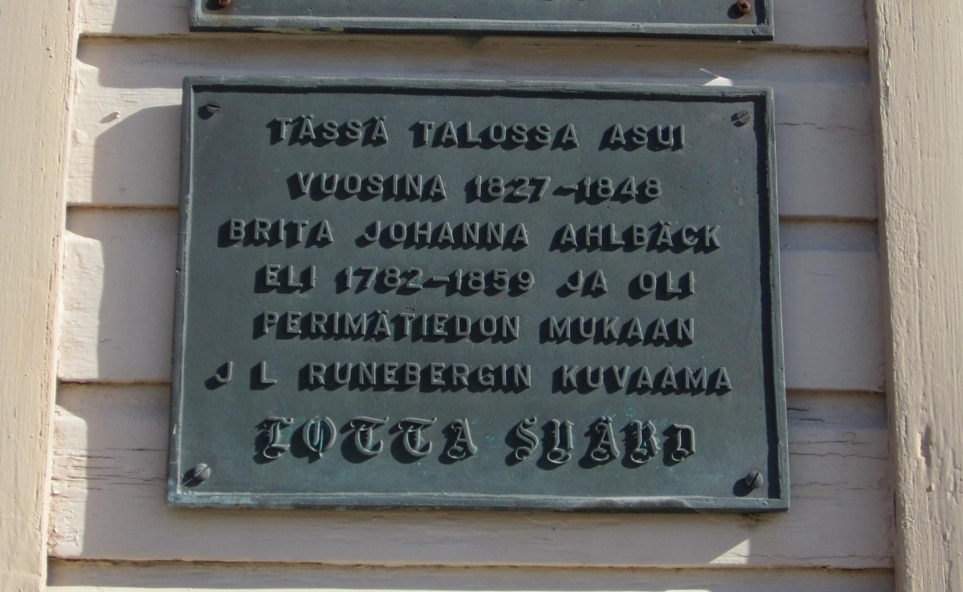 Runebergin Lotta Svärdin esikuvana on ollut kokkolaissyntyinen Brita Ahlbäck.